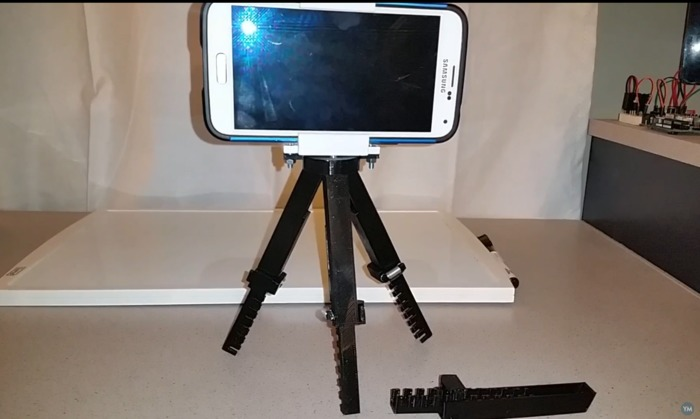Adjustable Tripod (spring loaded)