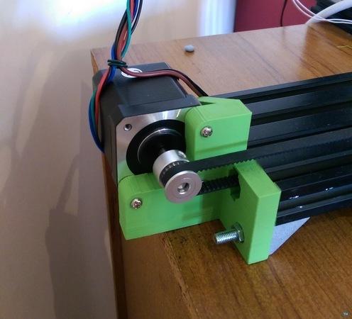 Extrusion motor bracket