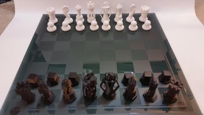Chess Set - Round vs Blocky