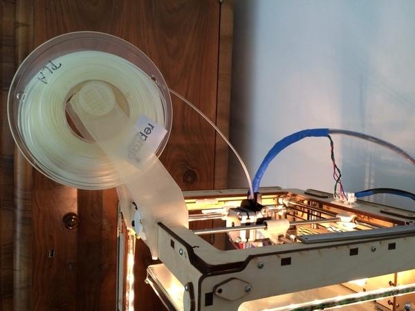 Ultimaker original plus direct drive filament holder