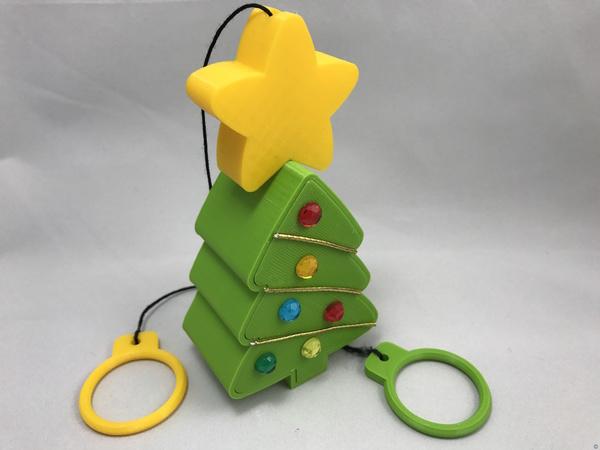 "String ""Climbing"" Christmas Tree"