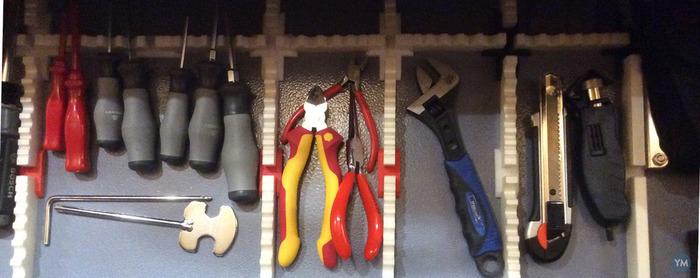 Magnetic drawer organizer / divider