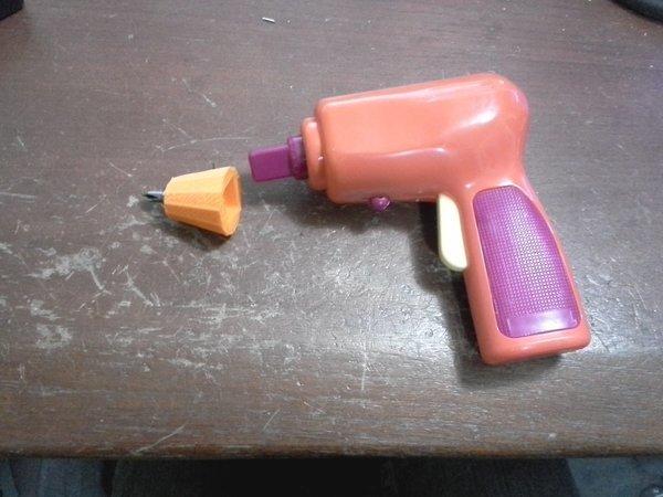 Toy screw gun adaptor