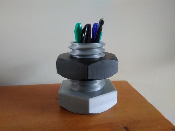 Nut and Bolt Pen pencil Holder