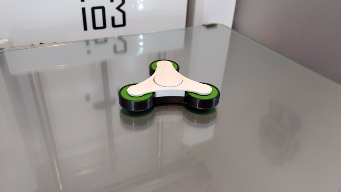 io3 spinner fidget