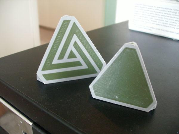 Dual Color Tetrahedron