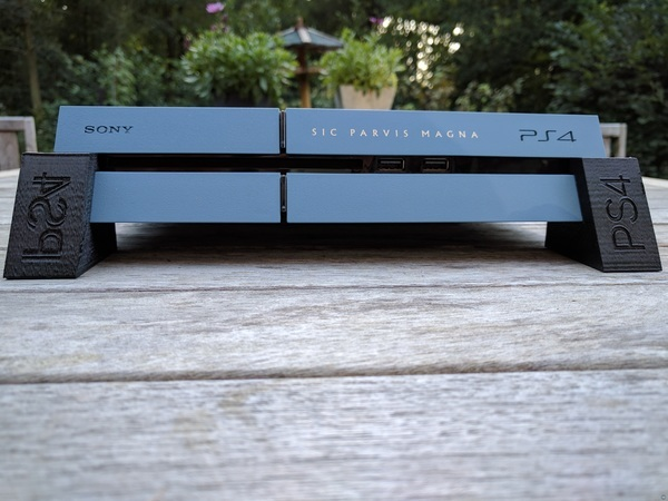 classic PS4 Snap-fit feet