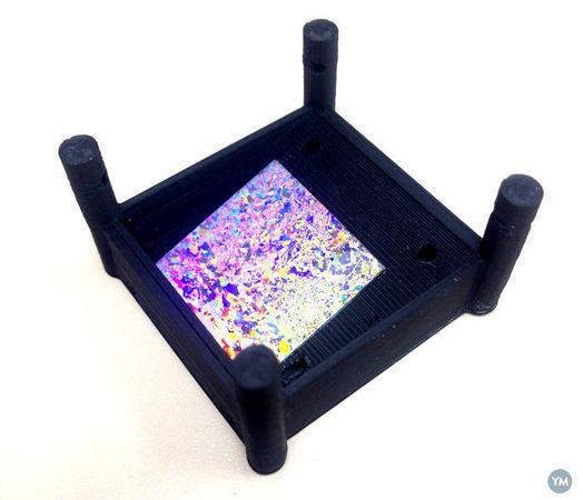 Dip holder for Nanosphere Lithography.