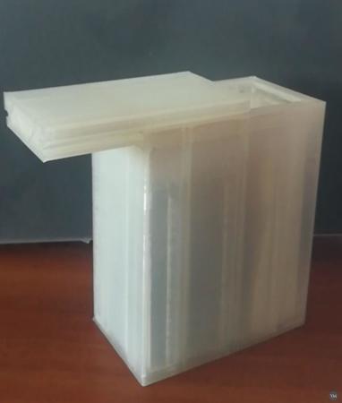 Box with rail lid