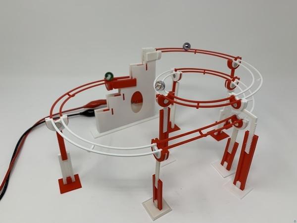 Marblevator, Magnetic Tracks.