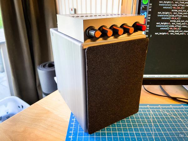 Mona 21 Speaker Enclosure