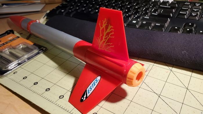 "Estes ""Flash"" E2X 18mm rocket motor retainer"