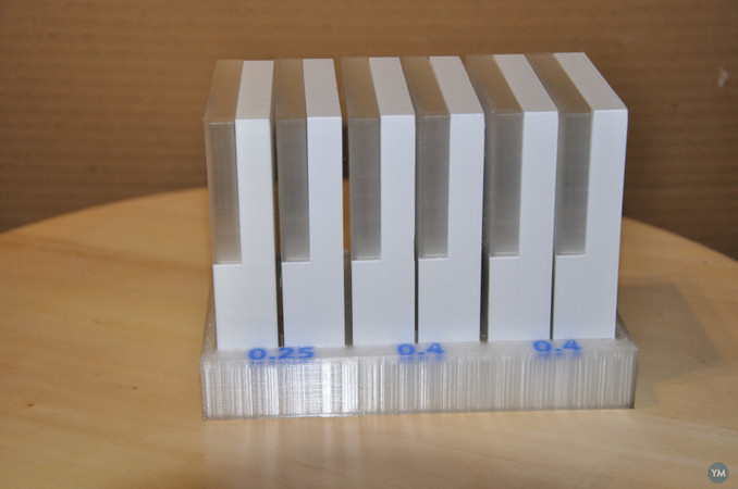 "Stand for ""Ultimaker 3 print core box"""