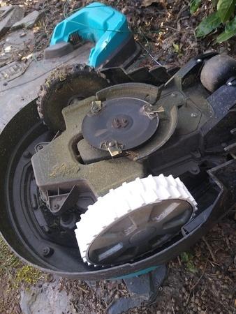 Tire for gardena r40li (or other sizes / Husqvarna)