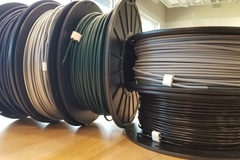 Filament Clips On Spools