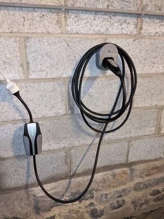 Tesla mobile charger wall mount + IEC 62196 type 2 plug wall mount