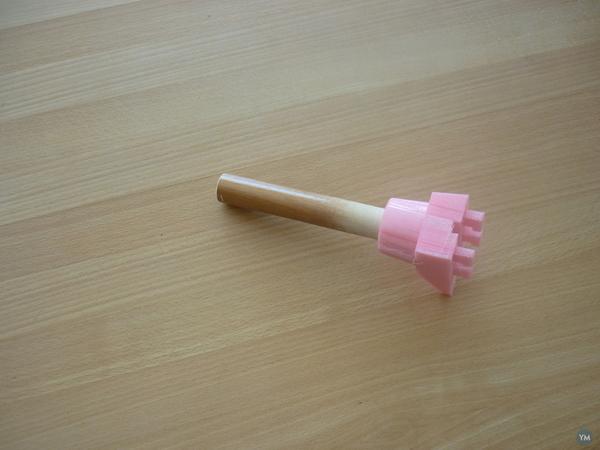Broomstick Spool Holder