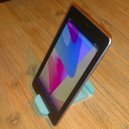 Parametric Smartphone Stand / Holder with custom text