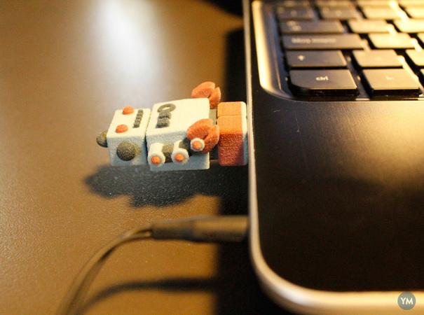 Bling USB Robot Dr Fluff