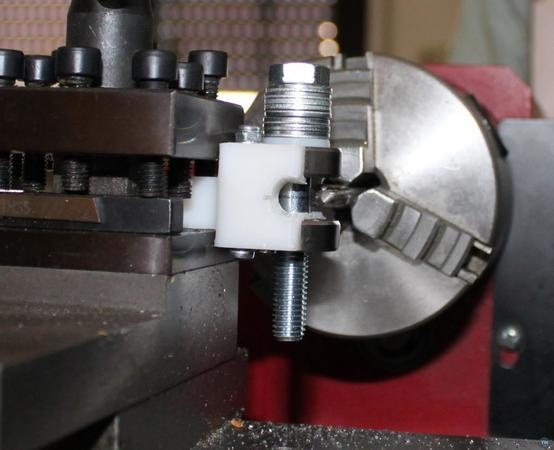 Hobbed bolt tool for 8mm lathe