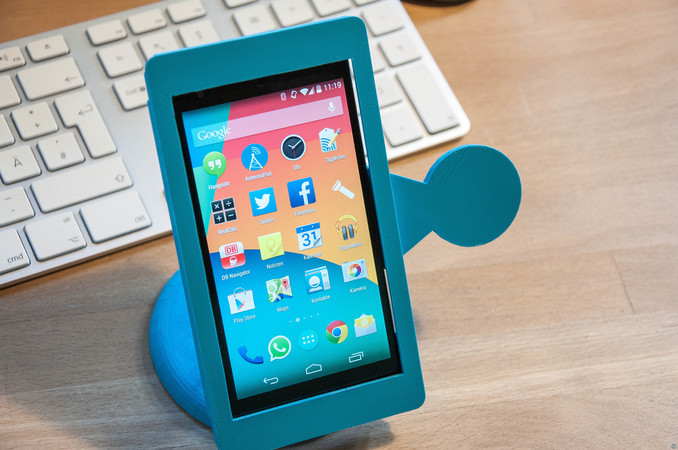 NFC enabled Kiosk Phone Stand for Nexus 5