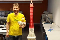 Eiffel Tower Gregor And Gueggel Cut