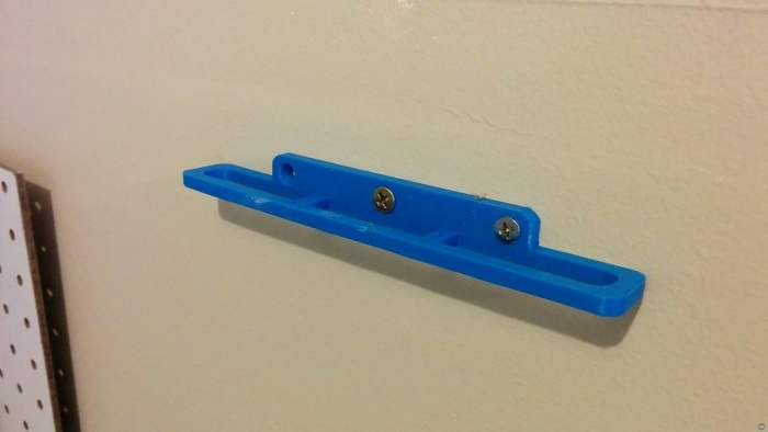 Safety glasses holder - wall-mount