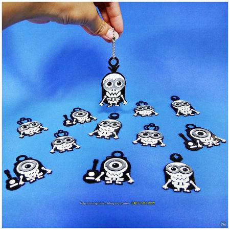 Minions Keychain / Magnets - Skull / Skeleton Version