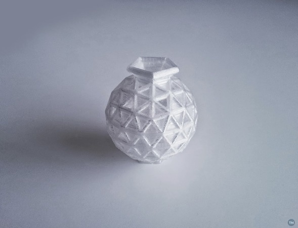 Geosphere Vase 25