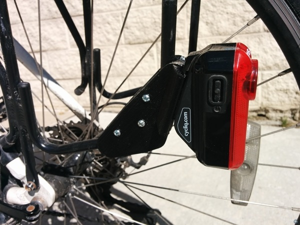 Rack side mount for Cycliq Fly6 camera