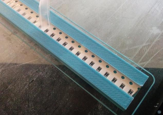 8mm smt smd pnp paper tape holder with holddown -> no play! [hole is a bit covered]