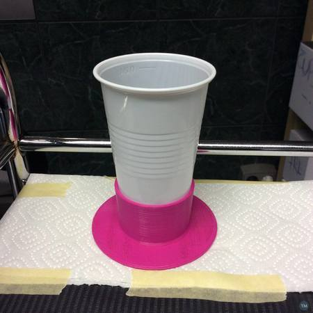 High-End Anti-Tilt device for plastic cups