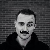 Span2 schreuders jordy mustache grayscale